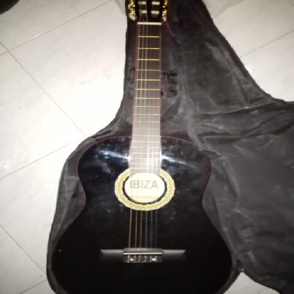 Chitarra nera