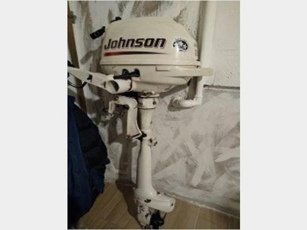 barca a motore JOHNSON 2.5 CV 4 TEMPI anno2013 lunghezza mt1