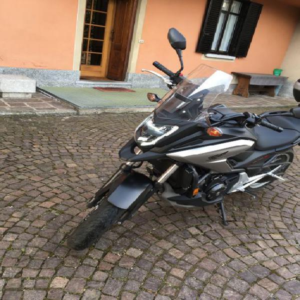 Vendo moto honda nc750x dct anno 2017 16500 km