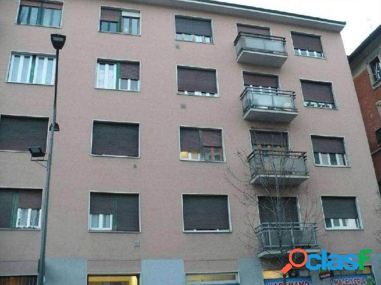 Milano bilocale zona piazzale accursio