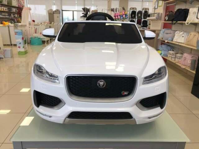 Auto macchina elettrica jaguar f pace (novità 2018)