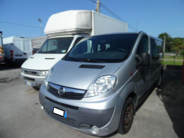 Opel vivaro furgone 6 posti