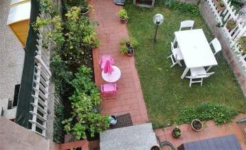 Villa con giardino, …