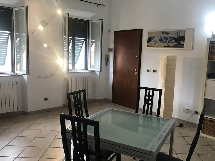Appartamento ristrutturato, Livorno magenta