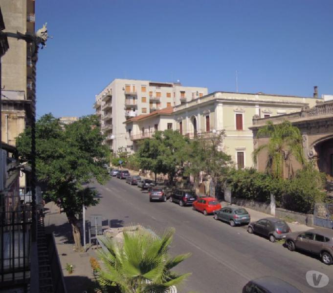 Appartamento ristrutturato due livelli a reddito catania