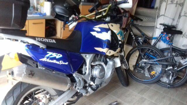 Honda xrv africa twin 780