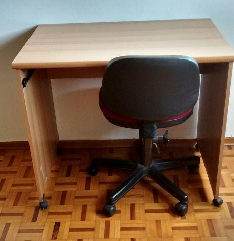 Tavolo + sedia da ufficio con rotelle