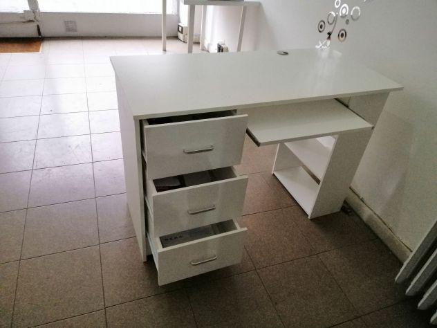 Vendo scrivania come nuova - per ufficio o cameretta