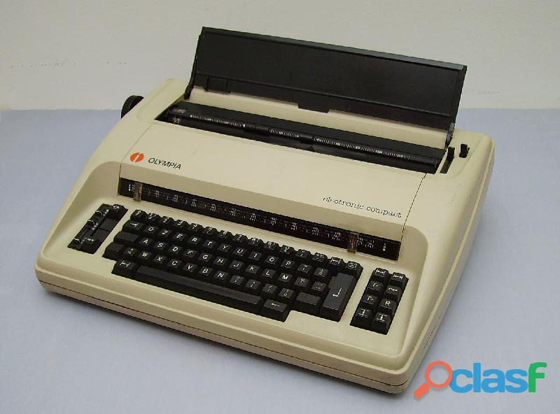 Per gli amanti del modernariato macchina da scrivere elettrica