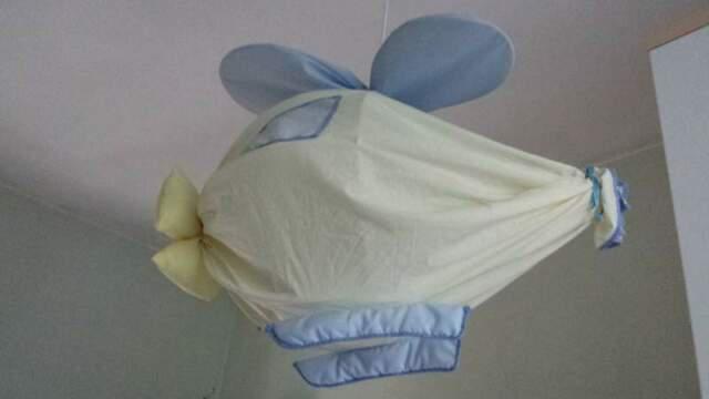 Lampadario in stoffa a forma elicottero