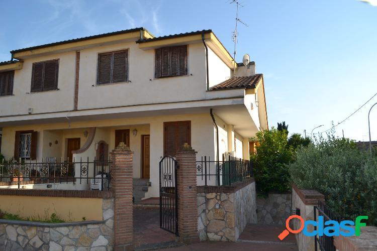 Guidonia montecelio - 5 locali € 490000 t515
