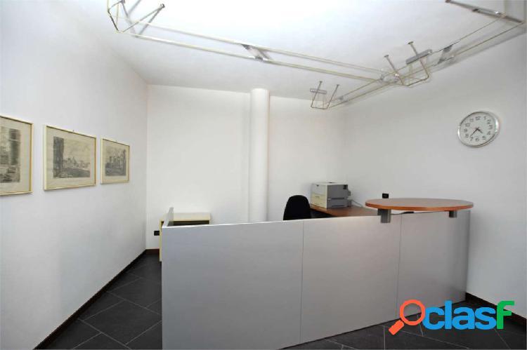 Ampio ufficio in centro a calcinate