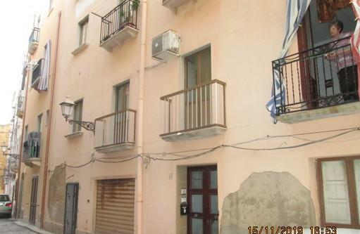 Appartamenti trapani centro storico via sant'anna 17 cucina: