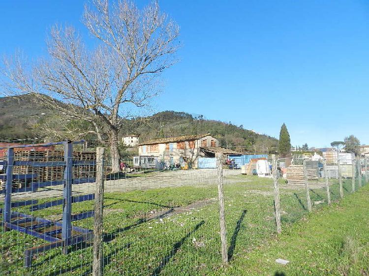 Casa colonica - indipendente a Sud, Capannori