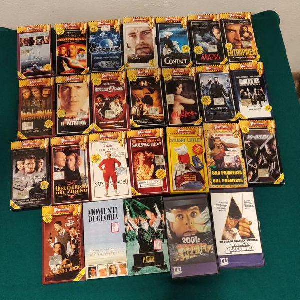 Lotto di 129 videocassette vhs titoli vari