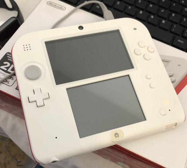 Nintendo 2ds bianco e rosso