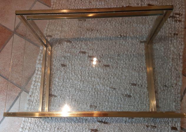 Coppia tavolini in cristallo con gambe in metallo