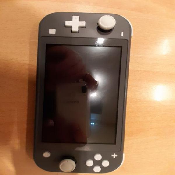 Nintendo switch lite + 10 giochi