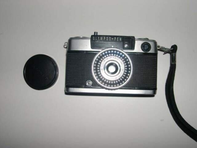 Macchina fotografica analogia olympus pen ee2