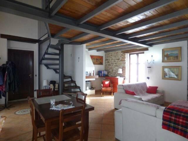Serravalle langhe: casa semi indipendente