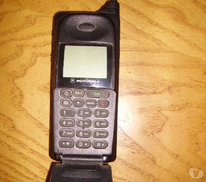 Vintage Cellulare Motorola internazional 8700