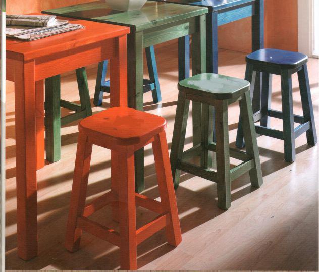 tavoli e sgabelli da pub