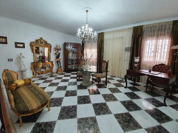 Villa a Loseto, Bari