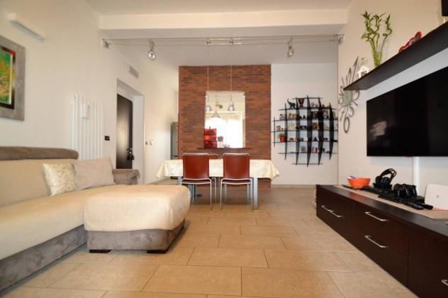 Appartamento di 107 m² con 3 locali e box auto in vendita a