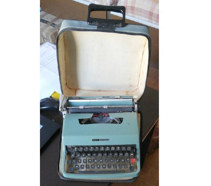 Macchina per scrivere scrivere meccanica olivetti lettera 32