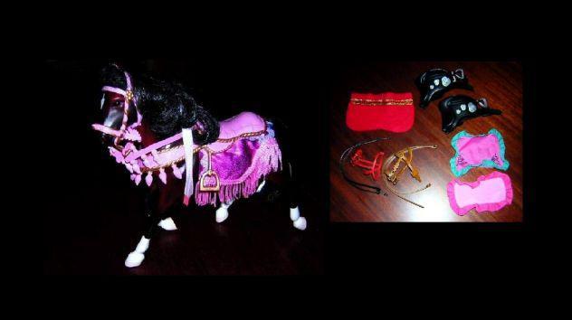 Cavallo da parata ***circo*** con vari accessori
