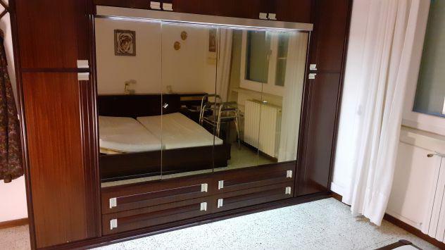 Camera da letto completa in palissandro ottime condizioni