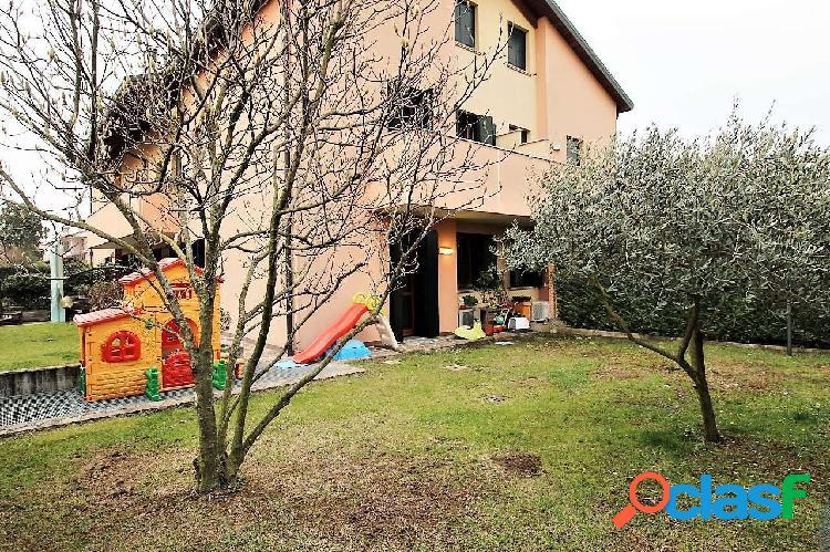 Appartamento con giardino_tencarola - rif: j317