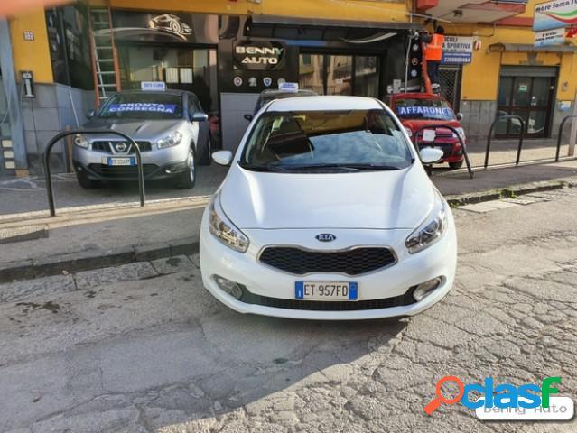 Kia cee'd diesel in vendita a casoria (napoli)