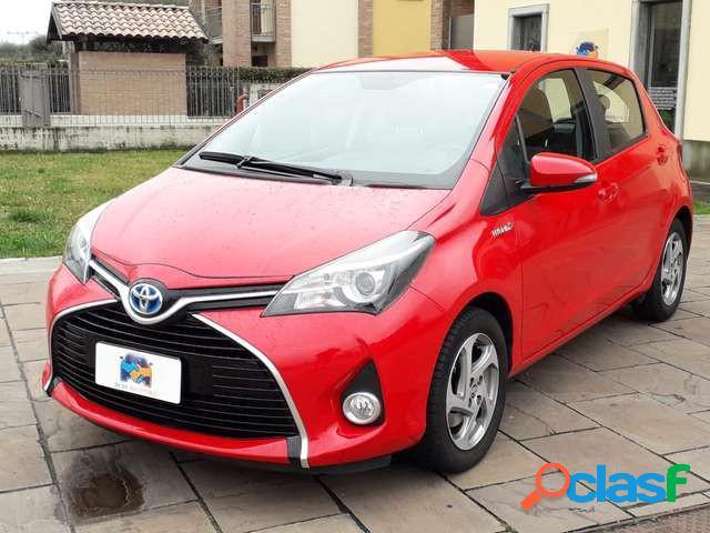 Toyota yaris elettrica-benzina in vendita a treviolo (bergamo)