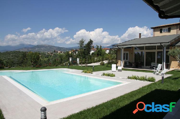 Torrice - villa di lusso con piscina e parco privato