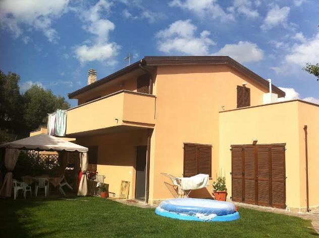 Casa semindipendente in vendita a castellaccio - livorno 210