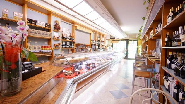 Gastronomia in vendita a marina di pisa - pisa 120 mq rif: