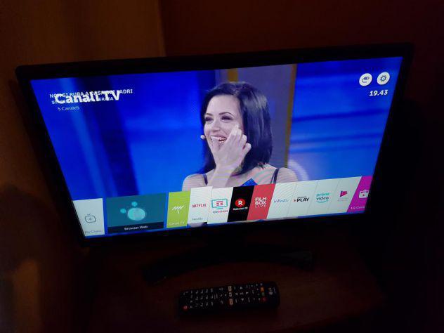 "Lg tv led 24"" 16:9 hd ready smart tv certificato tivùsat"
