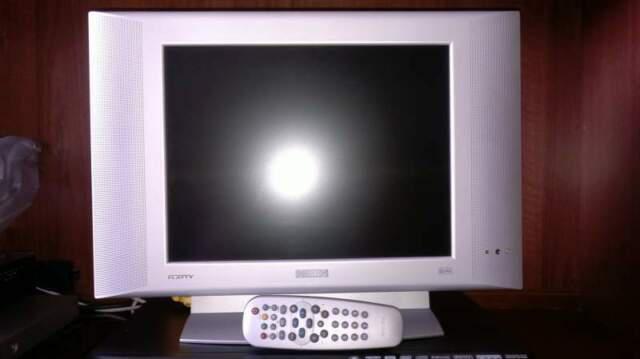 Tv philips (lcd) e samsung (crt)