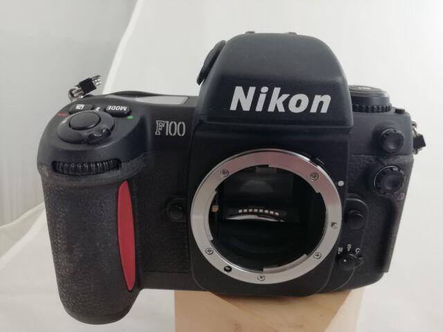 Nikon f100 solo corpo macchina,non funzionante,pezzi di