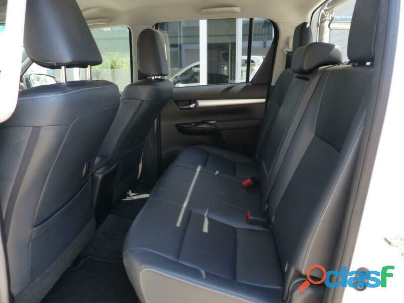 2017 Toyota Hilux Double Cab Autom.4x4 Executive Navi 2