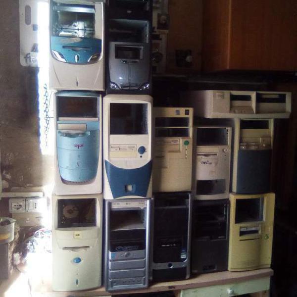 Personal computer fisso case tower vuoto mobile scheda madre