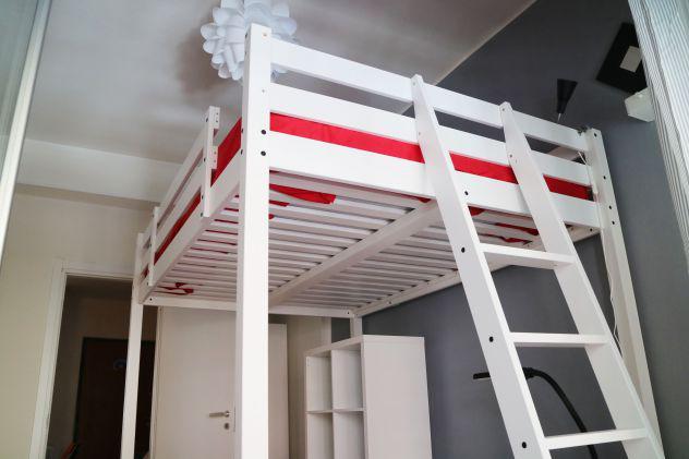 Viale libia camera luminosa con letto e matrimoniale accesso