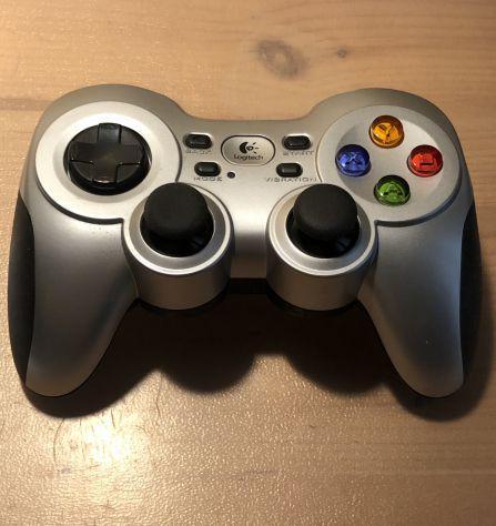 Gamepad wireless f710 logitech joystick