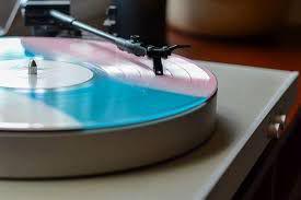 Lotto da 260 di dischi in vinile 33, 45lp e 45 giri anni 70