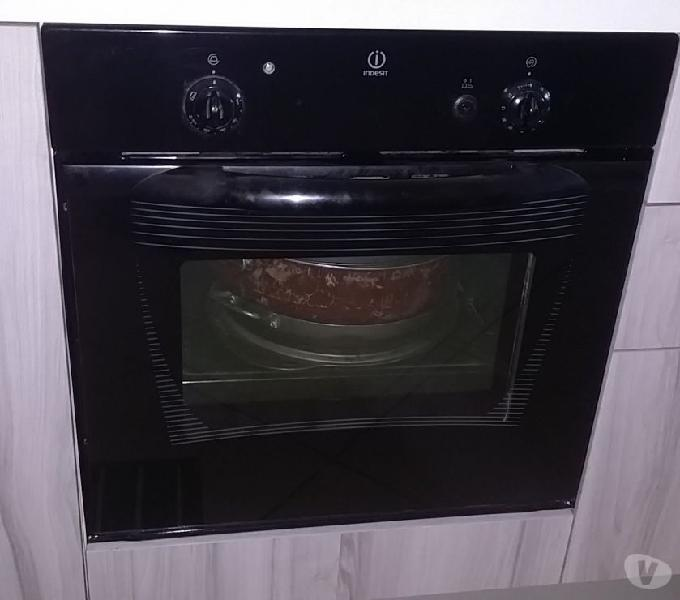 Forno indesit a gas