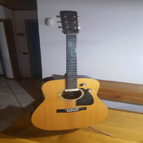 Chitarra acustica 6 corde amplificabile