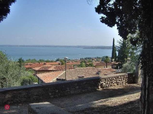 Terreno edificabile di 2500mq in via degli olivi a moniga