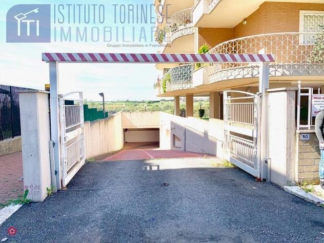 Garage/posto auto di 16mq in via nadir quinto a roma