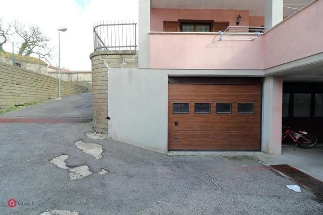 Garage/posto auto di 65mq in via salvo d'acquisto 10 a tolfa